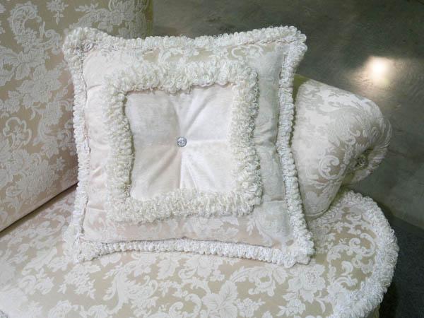 Декоративная подушка с бахромой